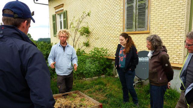 Neben dem pratischen Teil gab es auch eine Führung durch unseren Permakultur-Garten